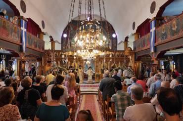 Εορτή των Αγίων Πάντων και εξάμηνο μνημόσυνο μακαριστού Καστορίας Σεραφείμ [ΦΩΤΟ]